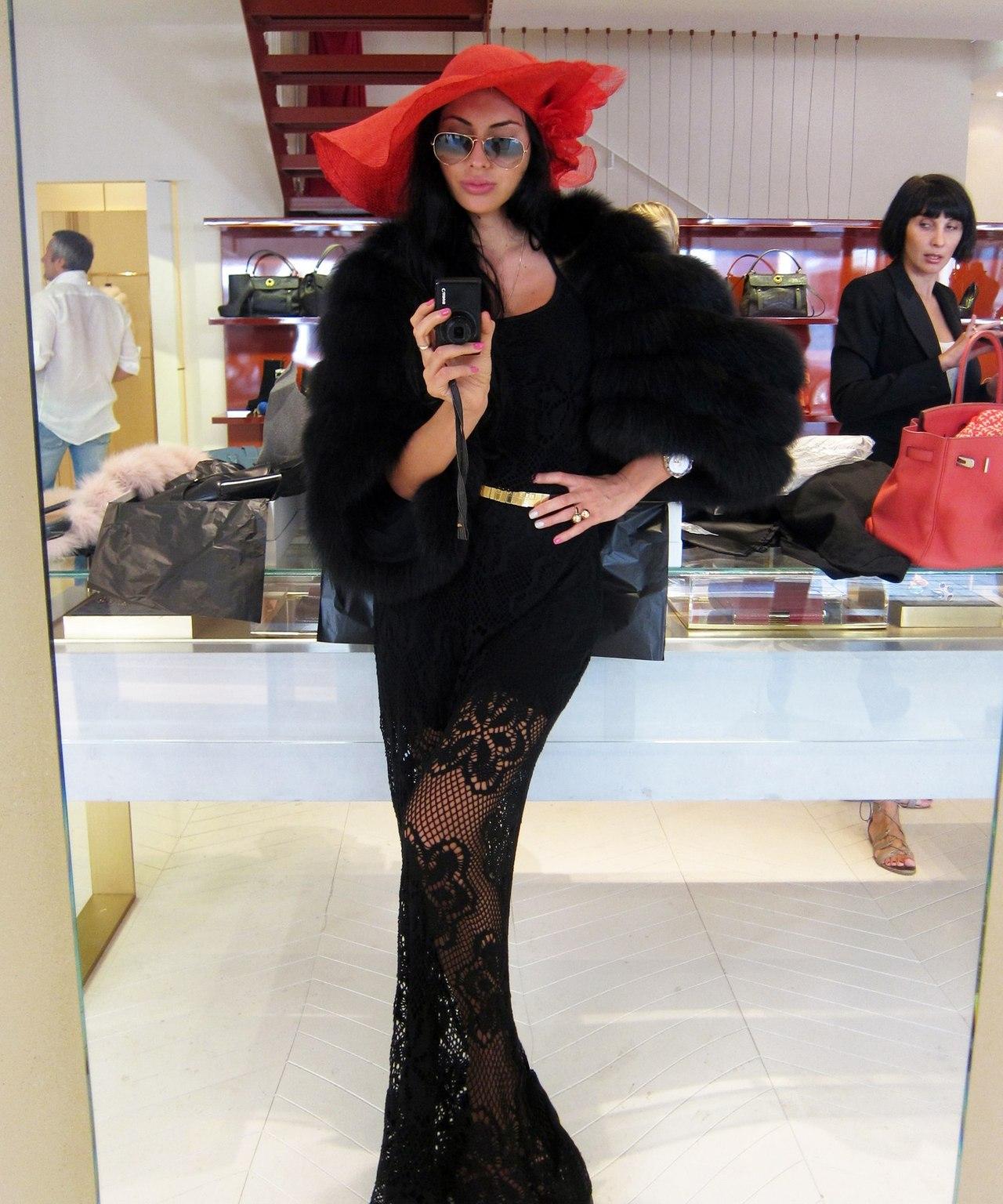 http://jetsetbabe.com/wp-content/uploads/2013/03/Olesya-Malinskaya11.jpg