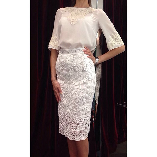 dolcegabbana-lace-embroidery-skirt-top