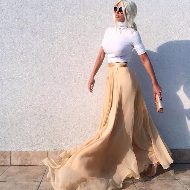 @karleusastar #maxiskirt #streetfashion #streetstyle #fashionista #fashionblog #fashionblogger #stylish #repost #jetsetbabe #jetset #follow #love #luxury #lookoftheday #blessed #bestoutfit #bestdressed #blog #blogger #yolo #swag #moda #chic #classy #beige #hot