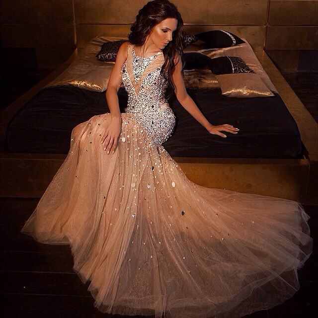 @alena_glazz #jetsetbabe #jetsetbabes #beauty #beautiful #gown