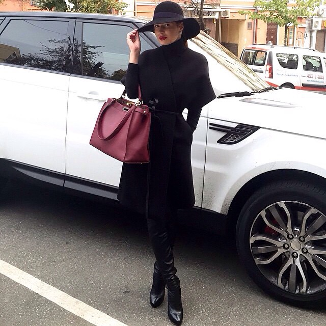 @mariya_gladkaya #jetsetbabe #hermes #hermesbag #hermeskelly #fashion #fall #follow #fashionblog #fashionblogger #fashionista #stylish #streetstyle #streetfashion #repost #blessed #yolo #swag #blog #blogger #bestoutfit #bestdressed #beautiful #hat #hatcouture #lookoftheday #outfitinspo #moda #designer #style #glamour