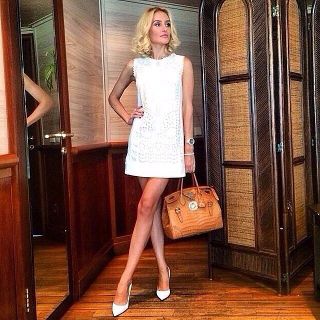 @annakhudoyan_ #jetsetbabe #jetsetbabes #jetsetter #jetset #white #dress #woman #sexy #swag #stylish #streetstyle #streetfashion #love #outfit #yolo #blog #bag #beautiful #bestdressed #girl #glam #chic #classy
