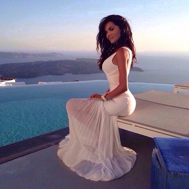 ??? @katiaa29 #jetsetbabe #summer #whitedress #amazing #vacation