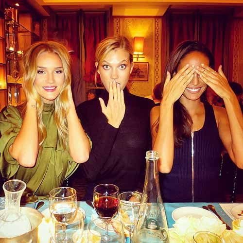 joansmalls at at dinner table with her friends