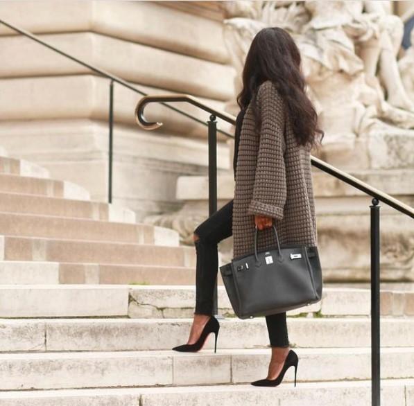 olivialafabuleuse with designer bag
