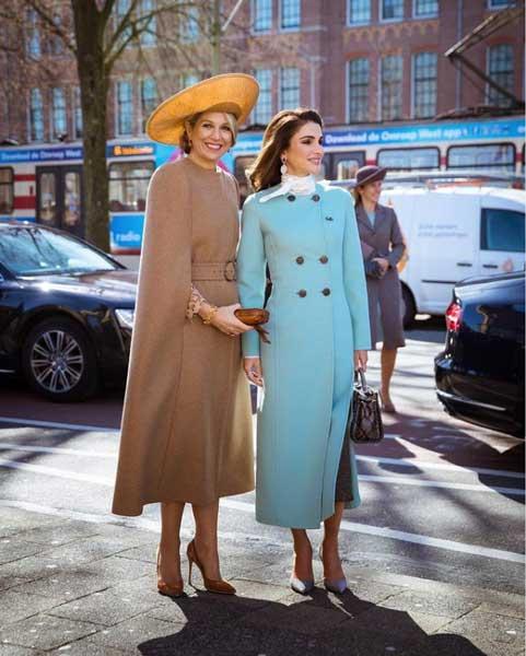 queenrania walking with queen