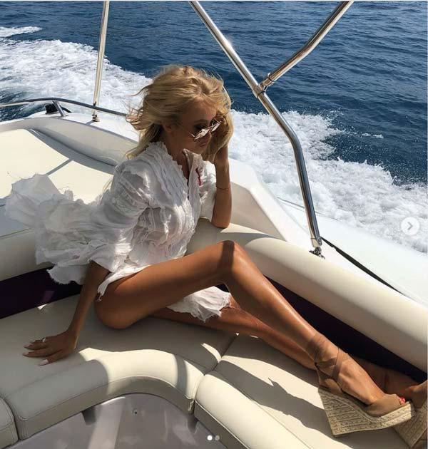 juliadybowska on yacht