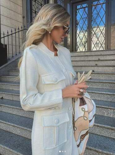 victoria_fox0001 wearing elegant clothes